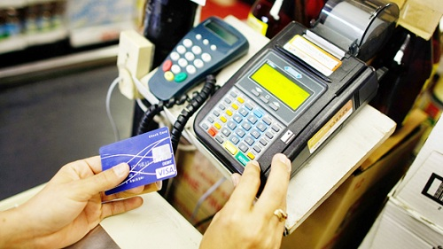 Tại sao khách hàng lựa chọn dịch vụ rút tiền từ thẻ tín dụng tại các ngân hàng1