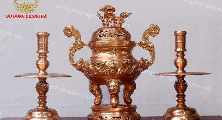 Bộ đồ thờ tam sự gồm những đồ đồng thờ cúng nào (2)