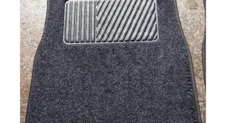 Sử dụng thảm nỉ lót sàn ô tô và những điểm cần lưu ý.